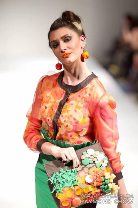 Fashion Designer: NAZBASH Clutch Designer: HASTI
