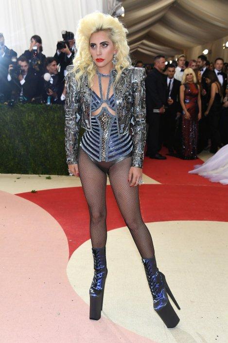 Lady-Gaga versace